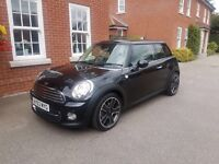 Black Mini Cooper 1.6 3dr (Chilli pack)