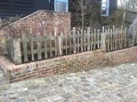 Palisade Fence-Oak & Chestnut hand split pales