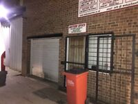 Great opportunity: Retail unit to let suitable for antique collectibles shop