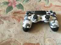 PS4 CAMOUFLAGE CONTROLLER IN FULL WORKING ORDER
