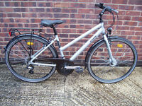 B Twin Ladies Hybrid Bike in Immaculate Condition