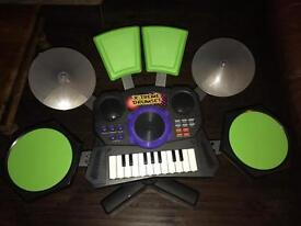 Electric / battery powered drum kit & keyboard