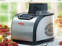 Ice cream maker fully automatic