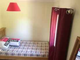 Single room to rent in central guildford