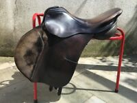 """Albion Flair Jumping Saddle 17.5"""" MN Brown Leather with Suede Knee Rolls"""
