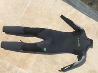 C-Skin Boys Wetsuit, Size MS 6-7 tho also perfect fit for a slim 9 year old