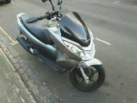 Honda pcx 125 auto drive moped low mileage only 1499. No offers