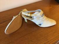 Ladies Shoes Brand New Size 41.