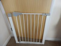 baby stair gate gd condition