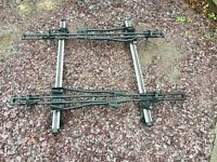 Thule roof bars with Halfords bike carriers