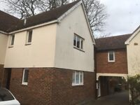 2bedroom mews in North Cheam £1200pcm