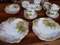 ROYAL ALBERT CROWN CHINA KENTISH ROCKERY 21 PIECE TEA SET. EXC. COND.