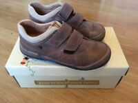New StartRite Boys Shoes Size 31