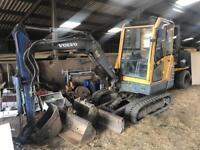 Mini digger (Volvo EC25 3 ton machine)