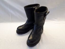 Men's Black Leather Motorcycle Boots, size 9/43