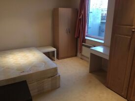 PERFECT COMFY DOUBLE ROOM TO RENT IN ARSENAL NEXT TO THE TUBE STATION. 20D