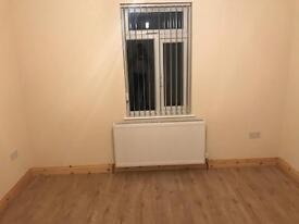 Double room for rent lu3