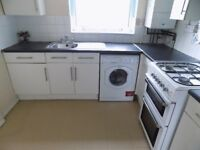 2 Bedroom Flat, Parking, Close to Town Centre, Schools, Train Station, Park, Available Now, NO DSS