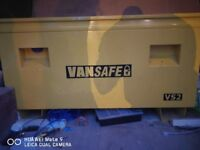 Van vault VS2 H x W x D: 595 x 1065 x 510mm. Internal H x W x D: 450 x 990 x 505mm.