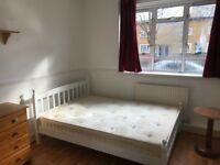 COUPLES ARE WELCOME - DOUBLE ROOM TO RENT - STEPNEY E1 - £725.00 ALL BILLS INC.