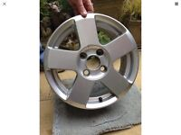 Wanted Ford Fiesta zetec 15 inch Alloy 5 spoke Wheel