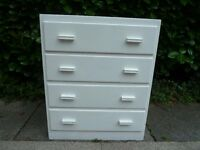 WHITE PAINTED 4 DRAWER WOODEN CHEST