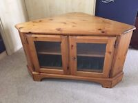 Ducal corner tv cabinet & matching nest of tables antique pine.