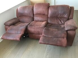 -FREE- 3 seater recliner sofa, collection only!