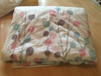 Single quilt cover with two pillowcases