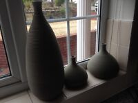 3 pot vases