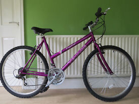 """GREAT LADIES MOUNTAIN BIKE..""""VENTURE CRYSTAL"""" LARGE 20"""" FRAME..EXCELLENT CONDITION.WORKING."""