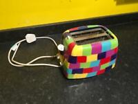 Pylones 2 slice toaster.
