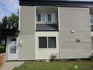 $172,000 - Townhouse for sale in Rundle Heights