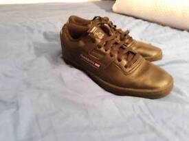 Reebok Classics UK Size 7 - Black leather