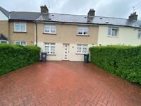 Beautiful three bedroom house to rent with a driveway & private garden near Dartford Town Centre