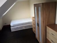 IDEAL ROOM FOR A COUPLE. FRIENDLY HOUSESHARE. ALL BILLS INC