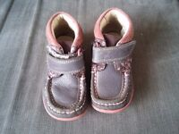 Clarks girls shoes 6.5 f