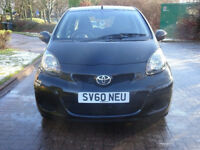 AUTOMATIC + 2010 TOYOTA AYGO 1.0 BLACK VVT-I MM 5d AUTO 67 BHP ++ HALF LEATHER TRIM