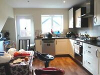 Double Room very spacious in new build home near to Birmingham City Centre