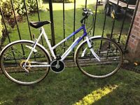 Ladies Raleigh classic road bike in excellent condition