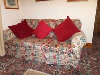 Large vintage loose covered suite. Very comfy and homely. Clean condition. Sofa & 2 arm chairs.