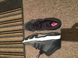 adidas trainers size 7 women