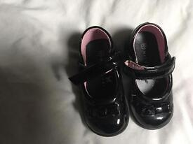 Girls Shoes size 6 x