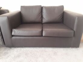 BRAND NEW LEATHER 2 SEATER COUCH/SOFA