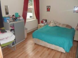 @@ Huge and nice double room 2 minutes from Greenwich station @@