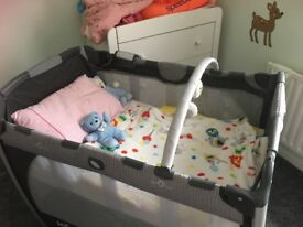 Playpen/travel cot