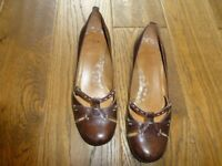 good used condition size 5 Brown ladies small heeled shoes from Clarks