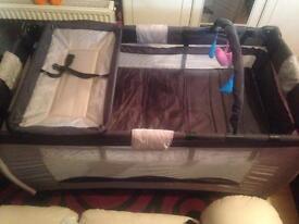 Travel cot playpen
