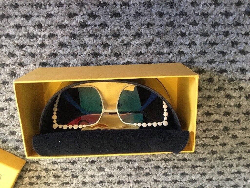 fb8e8f5c320a FENDI Can eye sunglasses