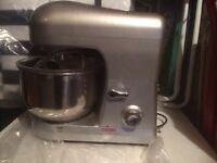 Cooks proffessional food mixer